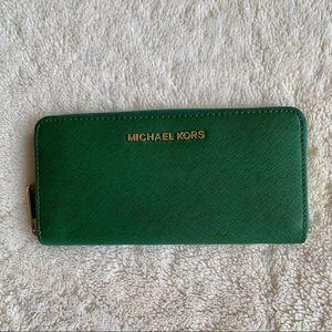 MICHAEL KORS Beautiful Dark Green ZIP Wallet